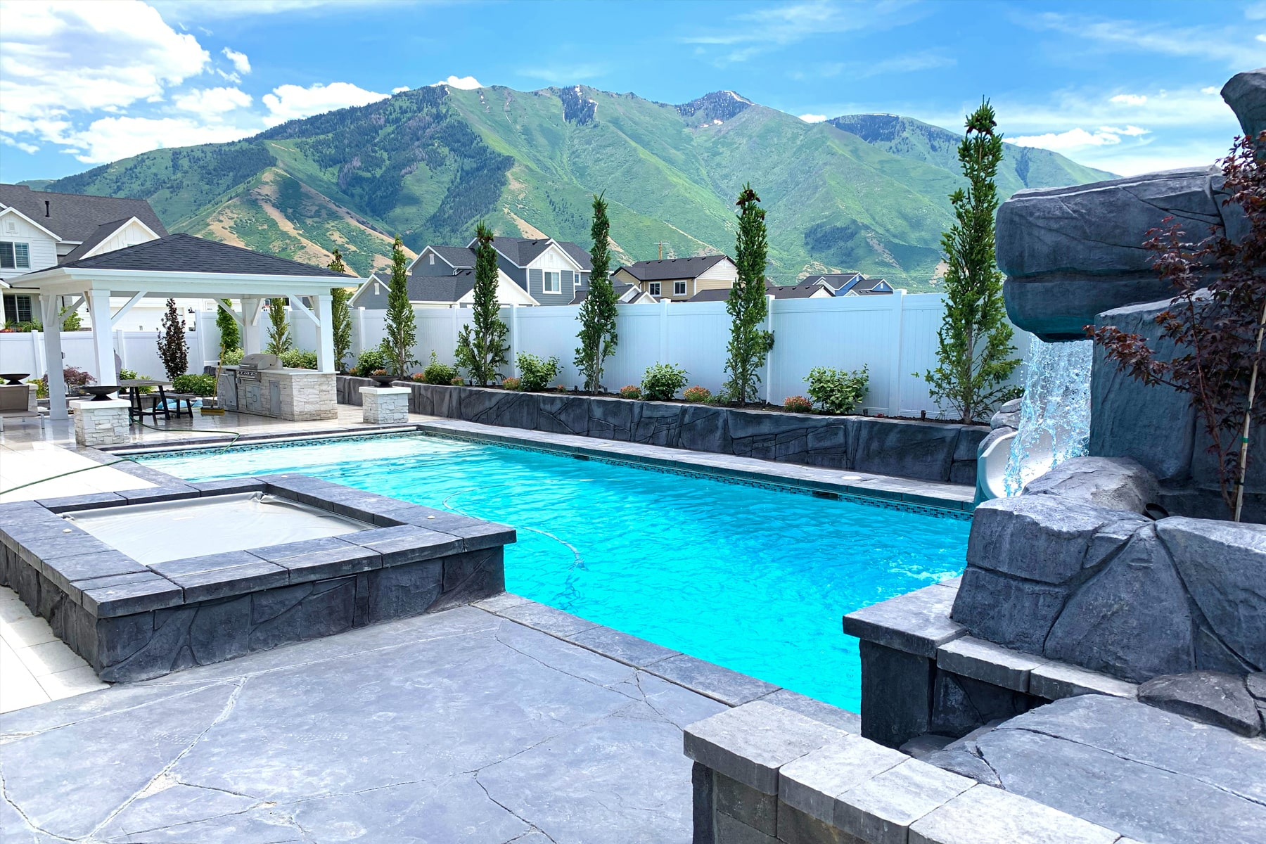 Should I Get a Custom Pool? 5 Things You Should Know